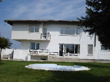 VL 802 This newly built beautiful house is located in a village which is only 20 minutes drive from Varna city and the Black sea coast.