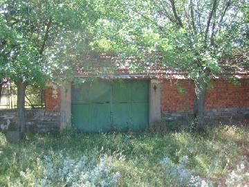 PL 279 -40% off the price!!! Attractive solid house close to Burgas and Sliven, huge plot of land 2300sq.m in regulation, stone fence, garage for one car!