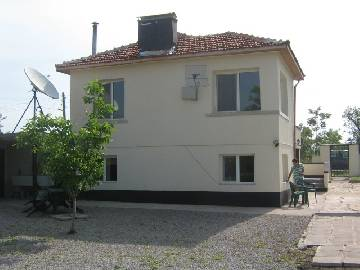 VL 830 SOLD Central Heating system, new Roof, new Insulation, new PVC windows, doors, Garage for one car, 2 big Barns, 1900sq.m of land in regulation. All Furniture included in the asking price!