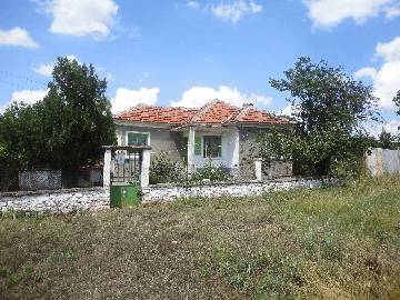 VL 840 Beautiful house, Summer kitchen, 2 outbuildings, Lovely stone wall, Parking Lot, 1500sq.m of land in regulation! Highly Recommended area close to Elhovo and Yambol.