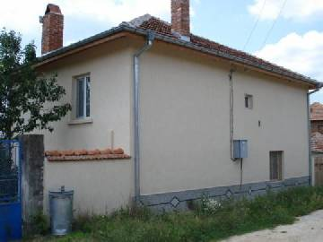 VL 846 SOLD NEWLY REDUCED PRICE -25% Totaly Renovated Property ready to Move In, with fitted kitchen, 2 bathrooms/WCs, firepalce, 3bedrooms, All furniture included, Insulation, New Roof, New electric system, new plumbing, new gutters, new UPVC windows, tile floors, laminated floors, Just One Word a STAR!