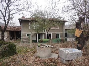 VL 854 -20% off the price  A cosy rural house, reasonable price, good location! 20km far from the highway, close Proximity to Turkish and Greece border!