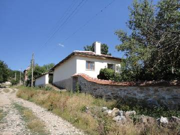 VL 886 -40% off the price Totaly Renovated 4-BEDROOM Property 20km far from Elhovo!