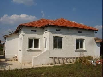 VL 921 Summer Kitchen 30sq.m, internal bathroom/wc, Garage for one car, 7km far from Dobrich, 30min drive to the SEA!!!