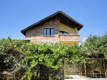 PL 385 TOP LOCATION, 3 min drive to Burgas, 5 min drive from the SEA!