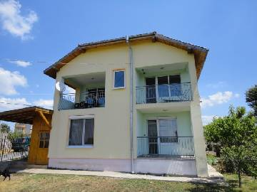 PL 386 New modern House 6km from Burgas, overlooking Mandra Lake, 13km from Sozopol, 3 bedrooms, garage for one car!!!