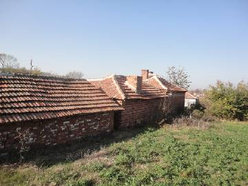 PL 448 Cheap Rural home with huge plot 3000sq.m, Summer Kitchen and Barn. House in a large and well developed village.