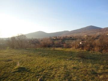 VL 855  3000sq.m of land in regulation, Asphalt road, Water and Electricty connected. At the end of the village, Panoramic views!