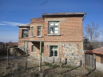PL 468 BARGAIN PROPERTY, big well-developed village, all needed amenities available, close to dam lake, at the foot of Strandja Mountain