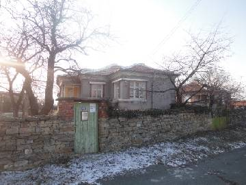VL 938 Cheap Rural home with good plot 900sq.m, Summer Kitchen and Barn.