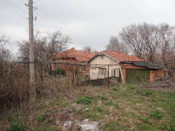 PL 489 Sunny and Bright rural home, just 20 km far from ELHOVO town and 120km far from Burgas.