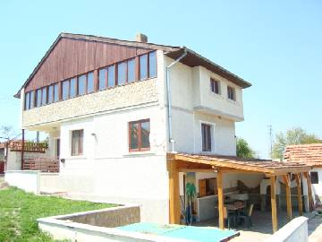 VL 952 TOTALY RENOVATED PROPERTY with Swimming Pool, Summer Kitchen, Garage.