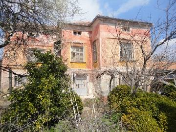 PL 493 Cheap rural home, lovely location! 1 hour drive to the SEA, 15min drive to Elhovo town,