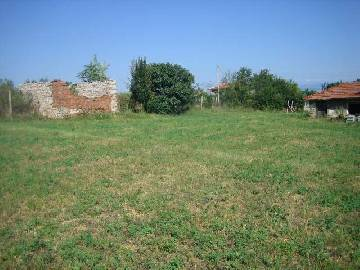JK 036Cheap old property with big garden 2400sq.m!This one-storey property is located in the
