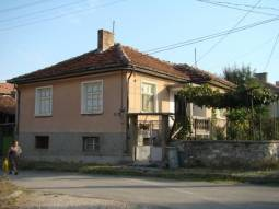 Cheap, Cheap Home in excellent clean hilly area, offering space and tranquility 60km to Burgas!