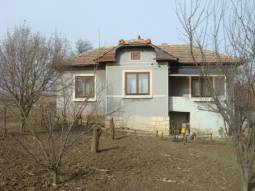 Excellent home ready to move in 20km from Dobrich and 60km to the SEA!