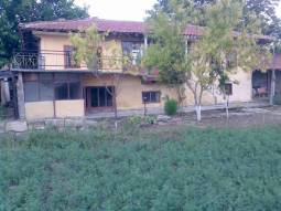 Rural home just 8km from Provadia with Internal Bathroom/WC!