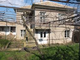 Corner Plot, Summer Kitchen, big stone outbuilding some 30min drive from Burgas!!!