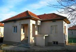 CHEAP, CHEAP Bungalow excellent for Holiday home close to Danube River!