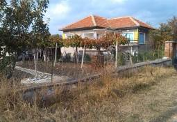 Bungalow and Summer Kitchen in nice village, between Yambol and Elhovo!