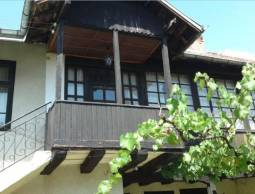 House in Excellent condition, less than 1h drive to Sofia! Minor work needed, excellent roof!