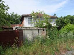 27km far from Burgas, well-developed village, Big plot of 2000sq.m, Additional outbuildings!!!