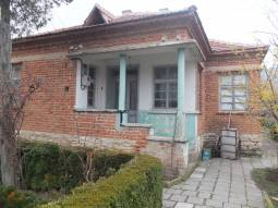 30min drive to Burgas and the SEA, Bungalow is very good condition!