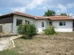 Only 30min drive to Varna and the AIRPORT, Top Village, all needed amenities available, 5min to Provadia!
