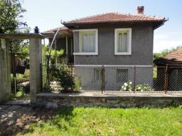 Two storey Family home, in nice countryside, Famous Village close to the SEA