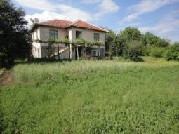 Beautiful Family Home with good sized plot, 35min drive to Burgas!