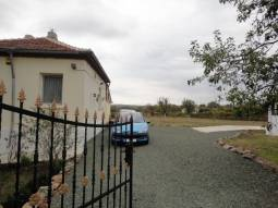 Well-maintained plot, fully equipped property, 40min to Burgas!