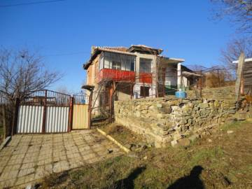 ****25km away from Burgas, Renovated Roof, Very Good Condition, TOP Village