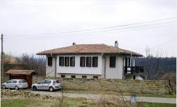 Central Heating, 5 bedrooms, 3 bathrooms, Fully Renovated, HOT PRICE