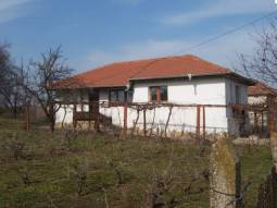 10km to Dobrich town, lovely village, NEW Roof, New UPVC windows, 2 new bathrooms