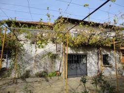 House in good condition, Edge of Village, Panoramic Views