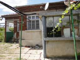 Edge of Village, Nice area, close to Karnobat town!!!! 16000Euros price of the property