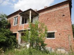 Asphalt road, Big well-developed property, Excellent Renovation Project!!!