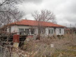 25KM FROM Burgas AIRPORT and the SEA, 1200sq.m of land in regulation!!!