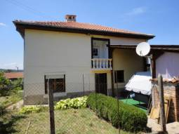 A charming mansion situated in a nice village near the town of Tsarevo and Lozenets!!!