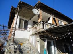 Renovated Property 35km from Burgas, New roof, New bathroom/wc, new floors, new electrics, new plumbing!!!