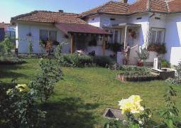 Renovated two bedroom rural house, set in the popular village only 30 min drive to Dobrich and 40 min to beach!