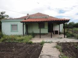 Fully Renovated - 20min to BURGAS, NEW Roof, NEW Bathroom/wc, New flooring, New brick built Fence!