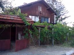 Fully Renovated Holiday home - 13km from Elhovo city center, 3 bedrooms, Bathroom/wc, Internal staircase, Fireplace, Garage!!!