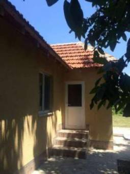 Fully renovated, ready to move into, cozy house with far reaching open views, only 1h drive to Varna!!!
