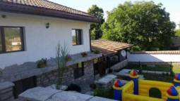 Renovated 4 bedroom house with a big plot of land 1300 only half an hour drive to Varna and 7-8 min to motorway!