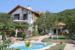 20min from Burgas Internaltional Airport, Swimming Pool at the front of the house with stone Patio!!!