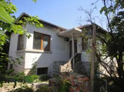Fully Renovated home - 20min drive to Stara Zagora, New ROOF, New UPVC windows and doors, new Gutters!!!