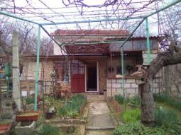 Excellent 2 storey House 10min drive to VARNA and the AIRPORT - 3 bedrooms, Renovated Roof, 10min drive to the SEA!!!