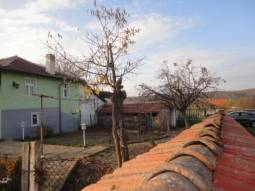 TOP Beauty 35km far from Burgas with vast plot 1900sq.m and great Panoramic views!