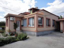 ***NICE HOUSE + BAR, Summer Kitchen area, Garage, 7km from the SEA, 20km from Burgas, 18km from Sunny Beach!!!***EXCELLENT BUSINESS OPTION!!!